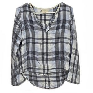 Cloth & Stone Plaid V-Neck Hi-Low Long Sleeve Top